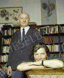 Várkert rakpart 17., Vas István költő és felesége Szántó Piroska festőművész az otthonukban.