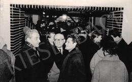 Korga György - Korga György kiállítása, az előtérben Tóth László festőművész