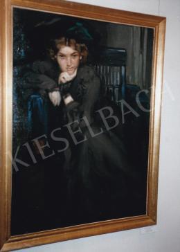 Vaszary, János - Girl in  Black, 1906, 101x74 cm, oil on canvas, Photo: Tamás Kieselbach
