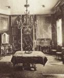 Biedermeier szalon Wolfner Gyula lakásában Mednyánszky László képeivel, 1920-as évek