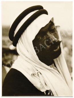 Danassy Károly - Burnuszos arab férfi portréja, 1930 körül