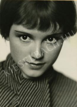 Fleischmann, Trude - Dolly Haas két arcképe egy albumlap két oldalán I-II., 1935 körül