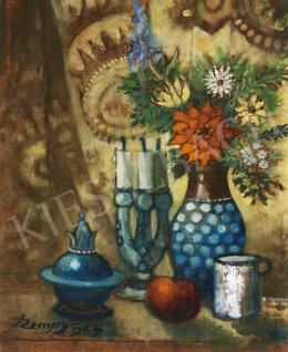 Remsey Jenő György - Asztali csendélet virágvázával, gyertyatartóval, 1969