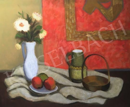 Eladó  Károlyi Ernő - Asztali csendélet vörös faliszőnyeggel a háttérben festménye