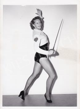 Ismeretlen fotós - A csinos tőrvívó, 1950 körül