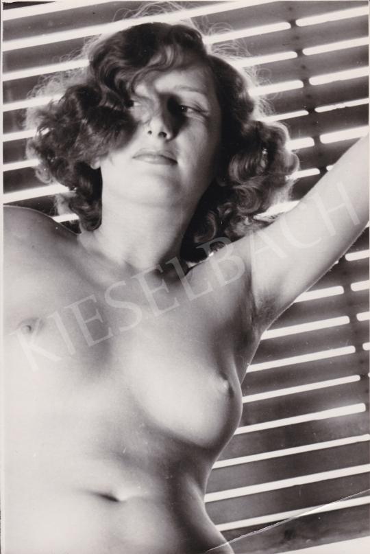 Eladó Ismeretlen fotós - Női akt (A csábos tekintet), 1950 körül festménye