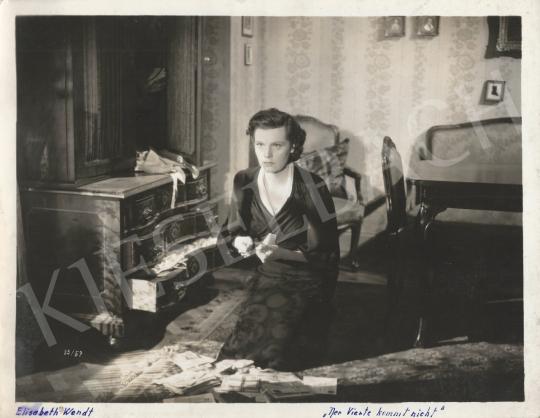 Eladó Ismeretlen fotós - Elisabeth Wendt a Der Vierte kommt nicht c. filmben, 1939 festménye