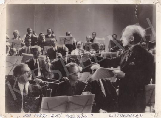 Eladó Ismeretlen fotós - Leopold Stokowsky és a zenekar, 1937 festménye