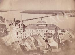 Ismeretlen fotós - Esztergom (A Vízivárosi templom a Dunával és a pontonhíddal), 1885 k.