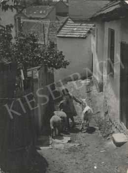 Szőllősy Kálmán - Öreg falu fiatal kecskével, 1950 körül