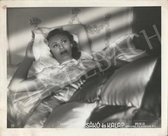 Eladó  Metro-Goldwyn-Mayer - Simor Erzsi a Csákó és kalap c. filmben, 1941 festménye