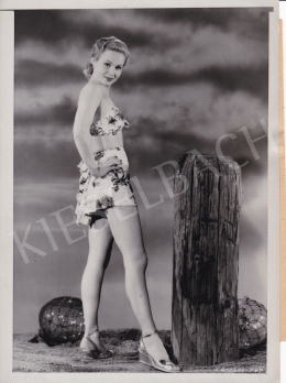 International News Photos - Strandon (Virginia Mayo), 1950 körül