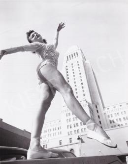 International News Photos - Balett a városban, 1945 körül