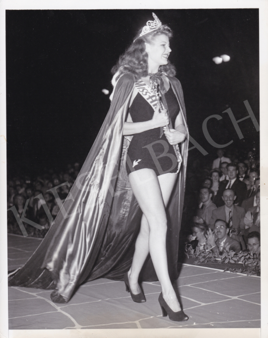 For sale  International News Photos - The Beauty Queen (Rosemary de Planche), 1941 's painting
