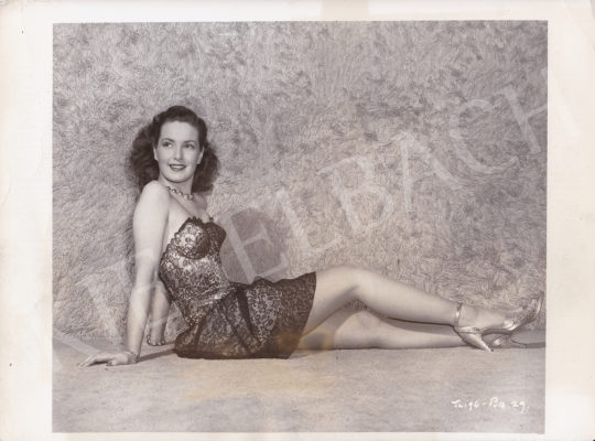 For sale  International News Photos - Patricia Roc, the British Beauty, c. 1945 's painting