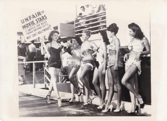 Eladó  Snow, George (International News Sound Photos) - Unfair Movie Stars, 1949 festménye