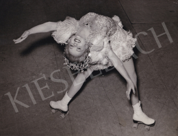 Reinhart, Hans (Internatinal News Photos) - Ballet on Wheels, 1946
