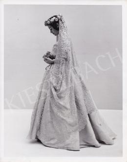 Elliot, Steve (International News Photos) - Az 1840-es évek menyasszonya, 1950 körül