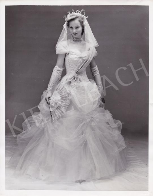 Eladó  Elliot, Steve (International News Photos) - Menyasszony, 1950 körül festménye