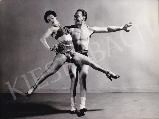 Eladó  Reinhart, Hans (Internatinal News Photos) - Tarzan-tánc, 1945 festménye