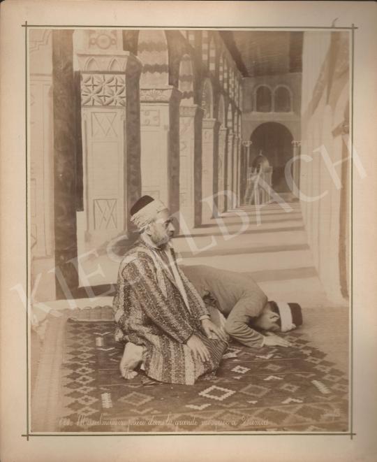 Eladó  Félix Adrien Bonfils  - Ima a damaszkuszi Nagy Mecsetben II. festménye