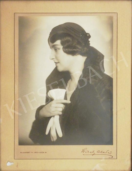 Eladó Székely Aladár - Bundás hölgy festménye